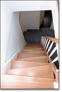 lang holztreppen online. Black Bedroom Furniture Sets. Home Design Ideas